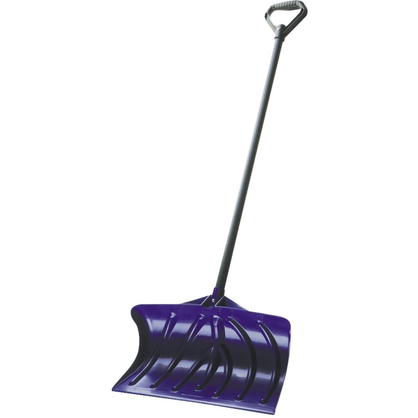 Suncast 20 In. Poly Snow Pusher with 37 In. Steel Handle Image 1
